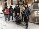 Hai nhóm nổi dậy Syria do Mỹ huấn luyện đầu hàng Al-Qaeda