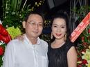 """Kỷ niệm ngày cưới, Trịnh Kim Chi được chồng """"đãi ốc"""""""