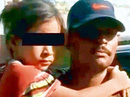 Bé gái 7 tuổi khóc thét trong nấm mộ