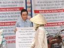 """Chàng trai cầm bảng """"Tôi từng ăn cắp sách"""" phản đối làm nhục nữ sinh"""