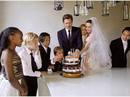 Pax Thiên nướng bánh cưới cho cha mẹ nuôi