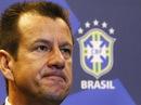 Tân HLV Brazil chỉ trích phong cách của Alves và Neymar