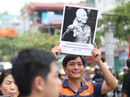 Đại tướng Võ Nguyên Giáp trong kỉ niệm chiến thắng rợp cờ hoa ở Điện Biên Phủ