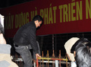 Chen lấn, xô đẩy, cướp lộc đêm khai ấn Đền Trần