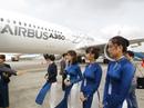 Airbus lần đầu trình diễn máy bay mới A350 XWB tại Hà Nội