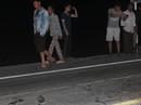 Phát hiện thi thể người đàn ông bị xe cán nát trên đường