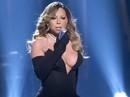 Mariah Carey khoe vòng một táo bạo trên sân khấu