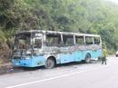 Xe chở công nhân cháy rụi trên đường về quê ăn Tết