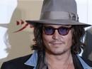 """Johnny Depp dùng tiền chấm dứt vụ kiện dai dẳng với """"fan"""" nữ"""