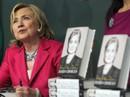 Vợ chồng bà Clinton hái ra tiền sau khi rời Nhà Trắng