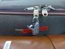 """Hành khách Vietnam Airlines """"tố"""" bị bẻ khóa vali"""
