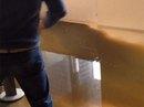 Mỹ: Nổ tung ống thải trong cao ốc vì giá lạnh