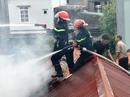 Cảnh sát PCCC xả thân lao vào đám cháy cứu 3 cháu nhỏ