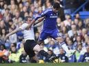 Liverpool thua sốc, Chelsea thẳng tiến ngôi đầu
