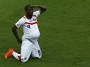 Thắng sốc Uruguay, Costa Rica dẫn đầu bảng tử thần