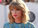 Taylor Swift lập kỷ lục bán đĩa