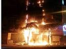 Hà Nội: Thẩm mỹ viện 5 tầng bùng cháy như bó đuốc