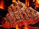 E rằng lúc đó nhai thịt bò Úc, bò Mỹ chẳng khác nào nhai giẻ rách...