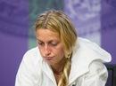 Đương kim vô địch nữ Kvitova bị loại, Federer chật vật đi tiếp
