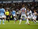 Yaya Toure lập cú đúp, Man City lên ngôi đầu giải Ngoại hạng