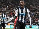 Thua đội chót bảng Newcastle, Liverpool trở lại mặt đất