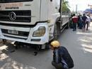 Xe tải tông chết 2 mẹ con, người dân lập thùng quyên góp tại chỗ