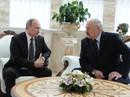 Tổng thống Putin gặp sự cố bất ngờ, lộ bí mật trong phòng ngủ