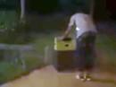 Trung Quốc: Cưỡng hiếp phụ nữ rồi nhét trong vali