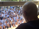 400 học sinh hát cầu nguyện cho thầy giáo bị ung thư