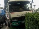 4 người trong 2 ô tô con gặp nạn trên xa lộ Hà Nội