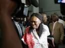 Bà đầm thép giết 3.000 người vì chồng thất cử, mỉm cười trước tòa