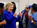 Bà Clinton trước cánh cửa lịch sử