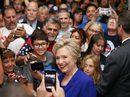 Hai cựu tổng thống Bush bỏ phiếu cho bà Clinton?