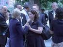 Bí ẩn người phụ nữ cạnh bà Clinton tại lễ 11-9