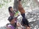 Lánh buôn làng, gia đình 9 người lưu lạc chốn rừng sâu