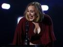 """Nước mắt của """"Họa mi nước Anh"""" Adele!"""