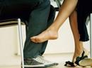 Bị nữ chủ nhà cưỡng hôn, nam giúp việc chạy thục mạng