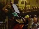 VIDEO vạch trần nhóm móc túi ở cầu Mống