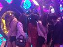 """7 thiếu nữ cùng 11 thanh niên vào phòng karaoke """"phê"""" ma túy"""