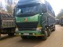 Đưa xe tải chặn cổng phản đối nhà máy để sắn mì ứ đọng