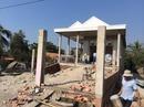 Một căn nhà, 19 quyết định cho xây rồi... đập