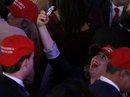 """Bầu cử Mỹ: Ông Trump """"mạnh"""" bất ngờ"""