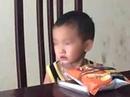 Gọi bát phở ăn rồi bỏ rơi bé trai 2 tuổi trong quán