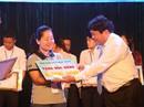 Khen thưởng con CNVC-LĐ vượt khó