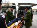 Hà Nội: Bắt 2 tên cướp đầu trần manh động trên phố