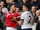 """M.U """"dâng"""" 3 điểm cho Tottenham bám đuổi Leicester"""