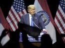 Donald Trump tố Clinton và Sanders ủng hộ phe chống mình