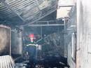 Xưởng sơn tráng men chìm trong lửa