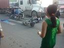 Vượt đèn đỏ, nam sinh làm 3 người bị thương