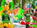 Ẩm thực đường phố tại Đầm Sen